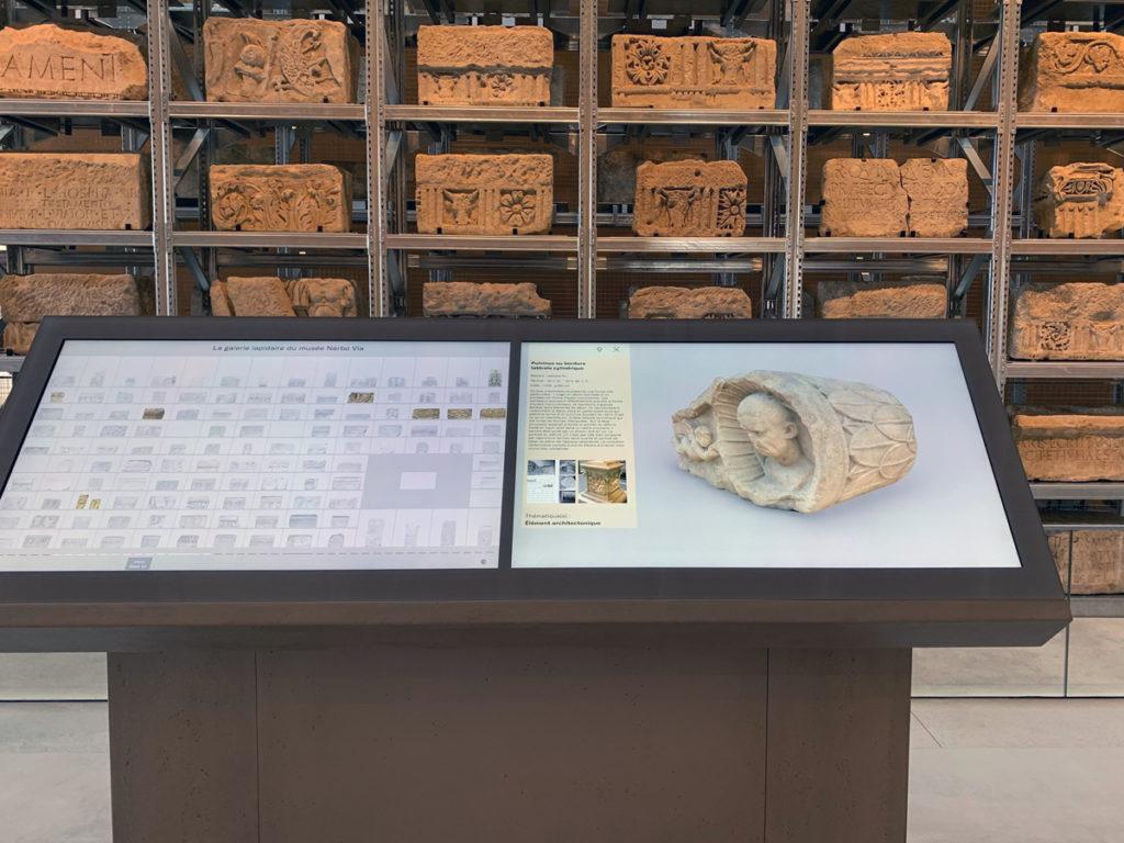 Borne interactive du Mur Lapidaire, Narbo Via. Cliché Ambroise Lassalle. Reproduction interdite.
